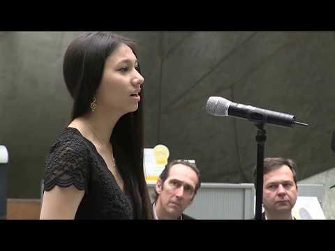 Nữ sinh gốc Việt tại Đức hát Opera