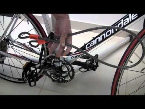 bike revolution how to lock your bike so it doesn 39 t get stolen youtube. Black Bedroom Furniture Sets. Home Design Ideas