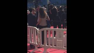 Kristen Stewart dancing & supporting her friends at the