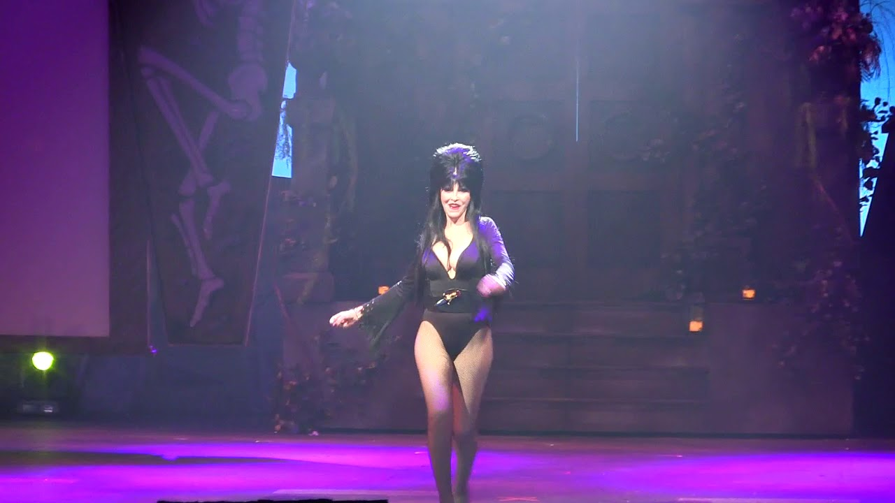 Download FULL Elvira Mistress of the Dark Show Opening Night Final Season Knott's Scary Farm September 2017