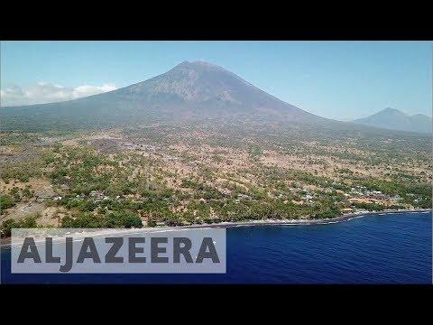 Volcano alert hits Bali's tourism
