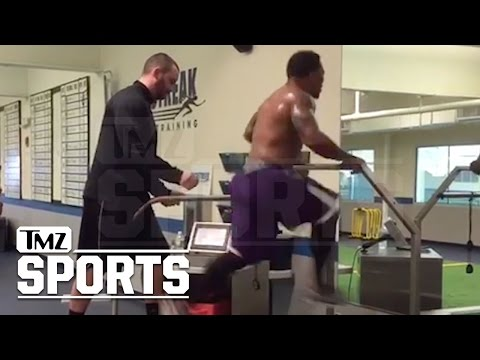 Ray Rice Hits 22 MPH On Treadmill... I Still Got NFL Speed!! | TMZ