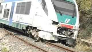 Ispica-Rosolini, deraglia un treno: ci sono feriti thumbnail