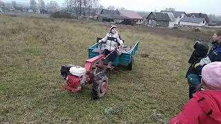 видео Прицепы-самосвалы: незаменимая вещь в сельском хозяйстве