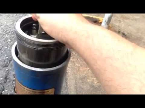 Loading a piston into a Detroit diesel 71 series liner