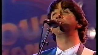 The Hollies - Bus Stop / The Air That I Breathe - Live !!!