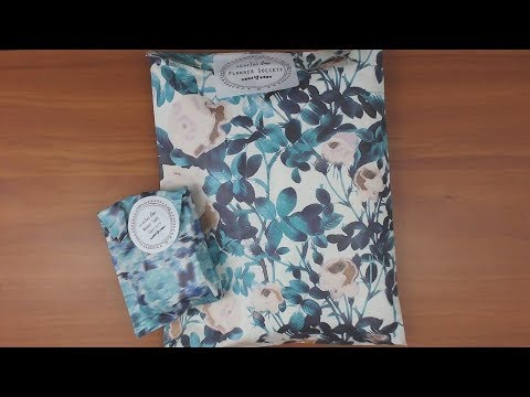 The Planner Society April 2018 unboxing and making something with it!