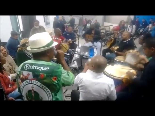 Zé Luiz do Império cantando Malandros Maneiros no Instituto do Samba de São Mateus