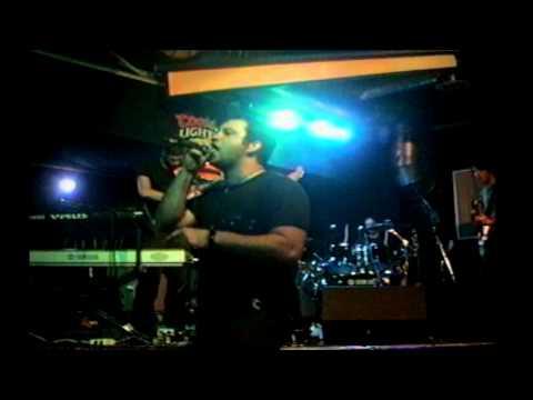 Clann Zu - Full Show (Live / The Apollo / Thunder Bay, Ontario Canada / 8-3-04)