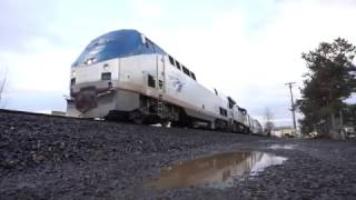 (HD) UP 3012 Leads Amtrak Train 11 South + Bonus footage