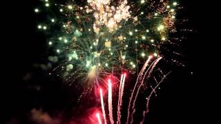 9 мая салют. видео.wmv(9 мая. Салют. Кто не смог посмотреть, своими глазами., 2012-05-09T19:17:27.000Z)