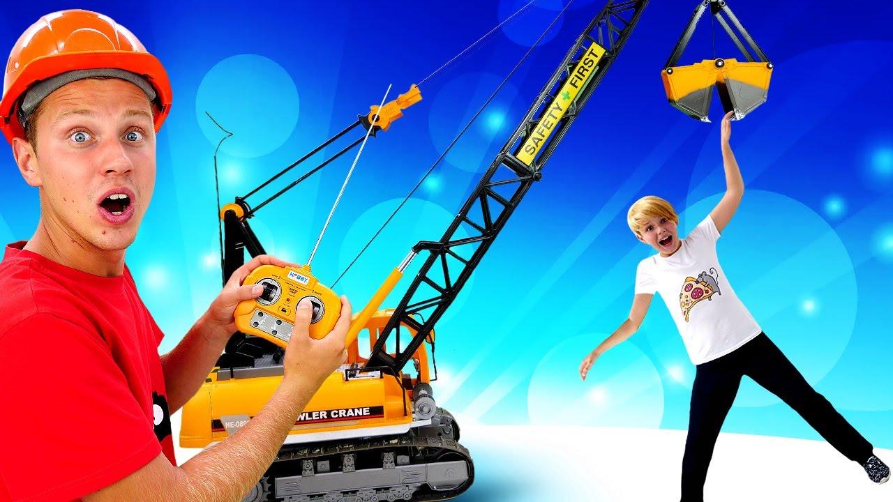 Игрушки для мальчиков - Супергерои и большие машины на стройке! - Видео игры с машинами