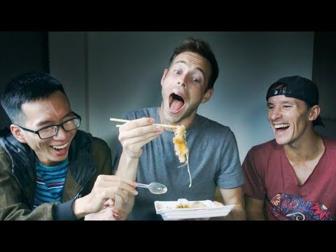 FOREIGNERS Try Vietnamese STREET FOOD 😂