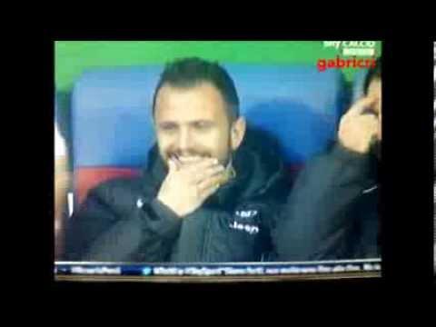Juventus - Pepe e Pirlo prendono per il culo Conte dalla panchina - Funny sport