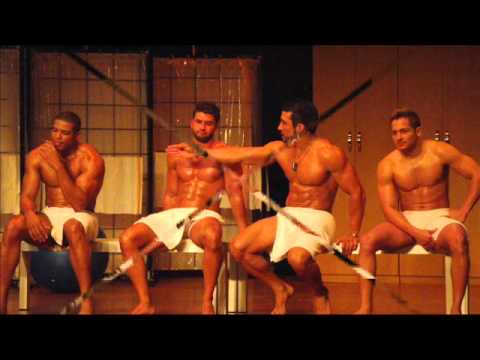 Desnudo en show de popa howard