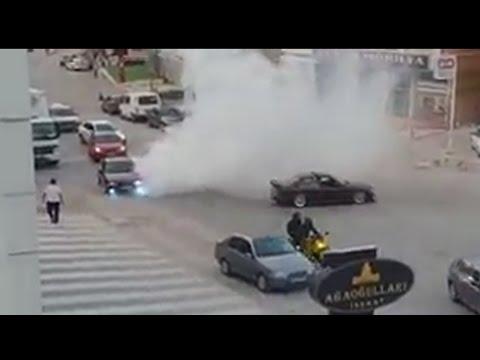 x2 BMW E36 Public Burnout Drift Donuts in Traffic