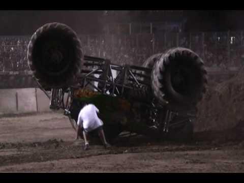 Monster Truck backflip Medford Oregon July 17, 2009