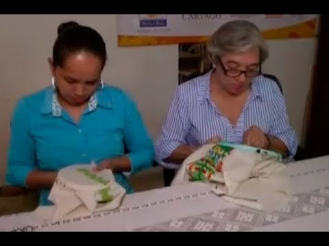 Bordadoras De Cartago Tejen Su Arte En Los Ornamentos Del Papa Francisco En Colombia