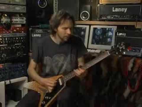 Paul Gilbert vs Buckethead (Echo song vs Big sur moon)