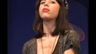 "Kimbra performing ""Come Into My Head"" on KCRW"
