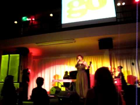 Macy Gray performs at GO Gala 2008