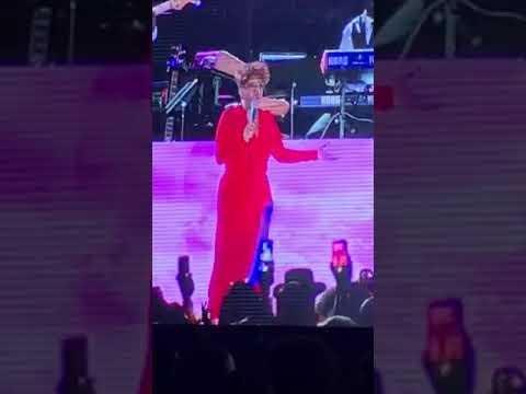 """Anita Baker Singing """"Angel"""" at Jazz In the Gardens 3/18/18"""