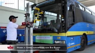 Sostituire il parabrezza di un autobus con il Big Buddy
