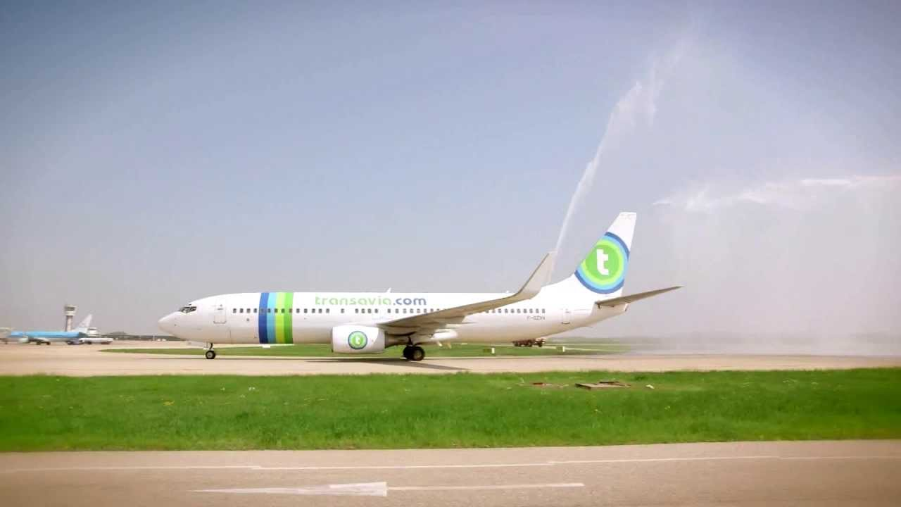 a roports de lyon un nouvel avion transavia lyon a new transavia plane in lyon youtube. Black Bedroom Furniture Sets. Home Design Ideas