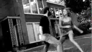 Драка между женщиной и мужчиной. Как это может выглядеть.(Муж и жена дерутся, когда кто-то взбешен. Как это может выглядеть? Смотри видео., 2013-09-26T11:15:15.000Z)