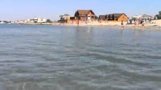 видео Отзывы отдыхающих за 2015 год  - Гостевой дом «Оазис» в Лазурном на пляже.
