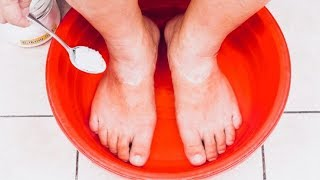 how to make a detox foot soak at home to flush toxins