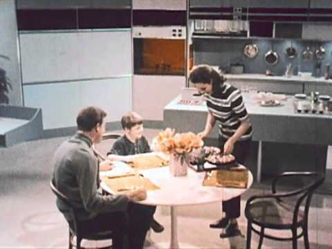 Watch a Short 1967 Film That Imagines How We'd Live in 1999: Online Learning, Electronic Shopping, Flat Screen TVs & Much More