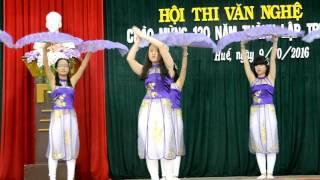 Bánh trôi nước - múa - 11Anh2 Quốc học Huế