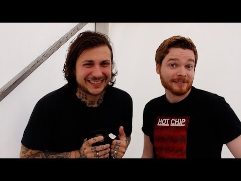SDF17: Frank Iero Reveals The Name Of The MCR Group Chat & Tries To Remember His Sassiest Tweets