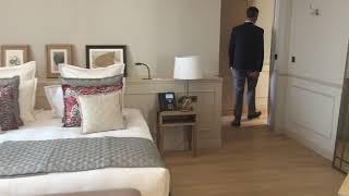 Visite d'une suite de l'hôtel Chais Monnet à Cognac