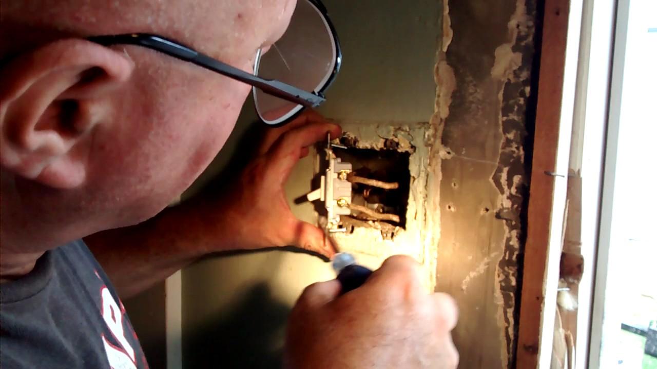 Old Bx Wire Switch Outlet Box Youtube Wiring An