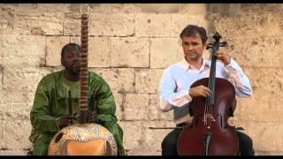 """Ballaké Sissoko & Vincent Ségal """"a benim kahve sesli, ince sızım""""  27/07/2010"""