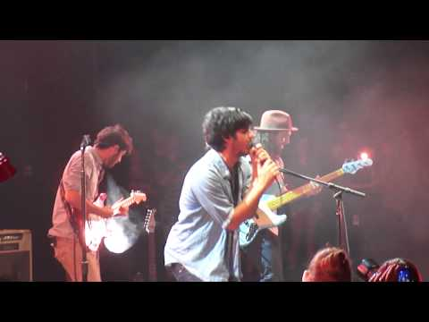 Young The Giant (the Jakes) - Shake My Hand - Oc Fair 2012