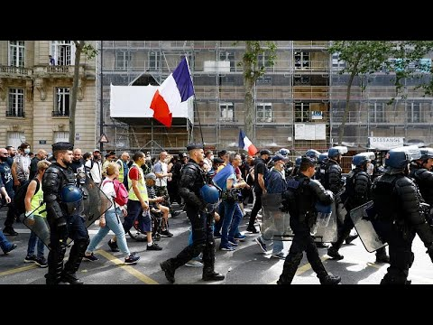 French MPs approve COVID health pass for bars and restaurants despite tens of thousands protesting
