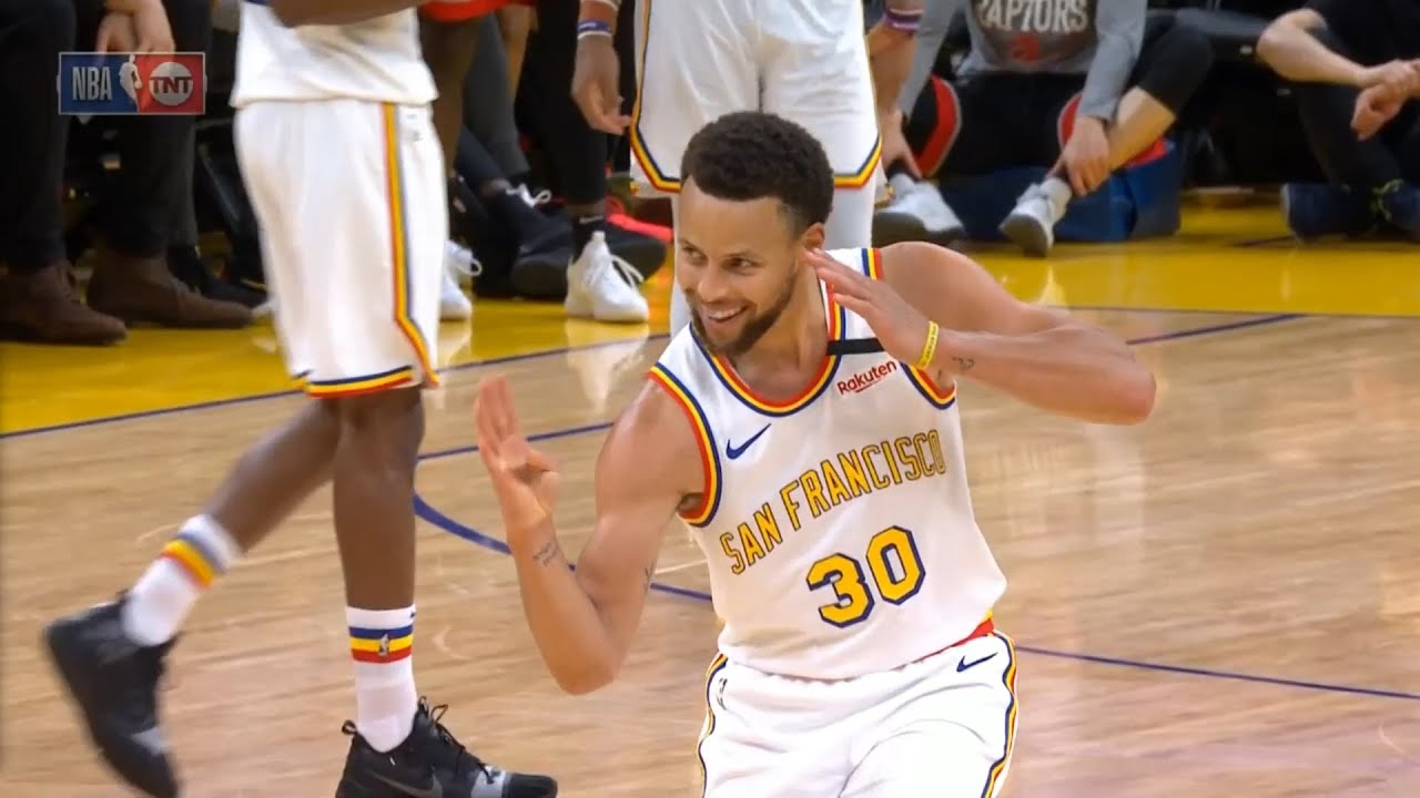 Steph Curry Scored 23 Points In His Return To The Warriors