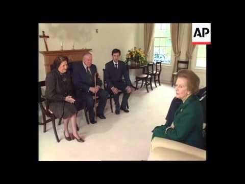 UK: AUGUSTO PINOCHET MEETS LADY THATCHER (V)