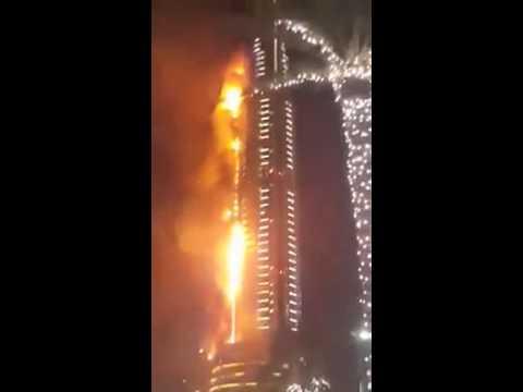 برج في دبي يحترق Youtube