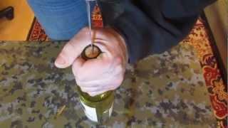 Как открыть бутылку вина без штопора!