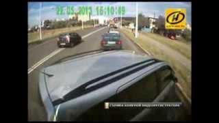 Минск: водитель автобуса 'наказывает' легковушки. 20 ДТП за 1 год. Интервью.