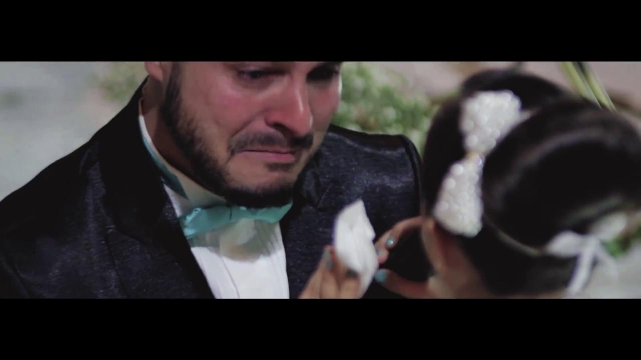 Resultado de imagen de Novio reconoce que quiere a otra mujer, señala a una invitada y la novia comienza a llorar