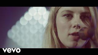 """Wolf Alice - """"Fluffy"""" (Live) - (Vevo LIFT UK)"""