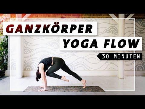 Yoga Ganzkörper Flow | Bauch Beine Po & Rücken | 30 Min. Workout