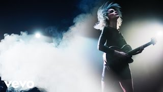 Repeat youtube video St. Vincent - Birth In Reverse