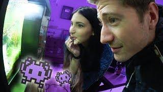 Kati reagiert auf ihre UFO Garnele!