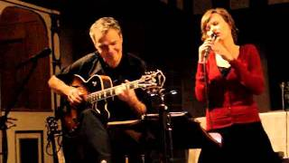 Is Christmas only a Tree (Silje Nergaard) Jazz Vocals & Guitar // by Gabriela Koch & Wolf